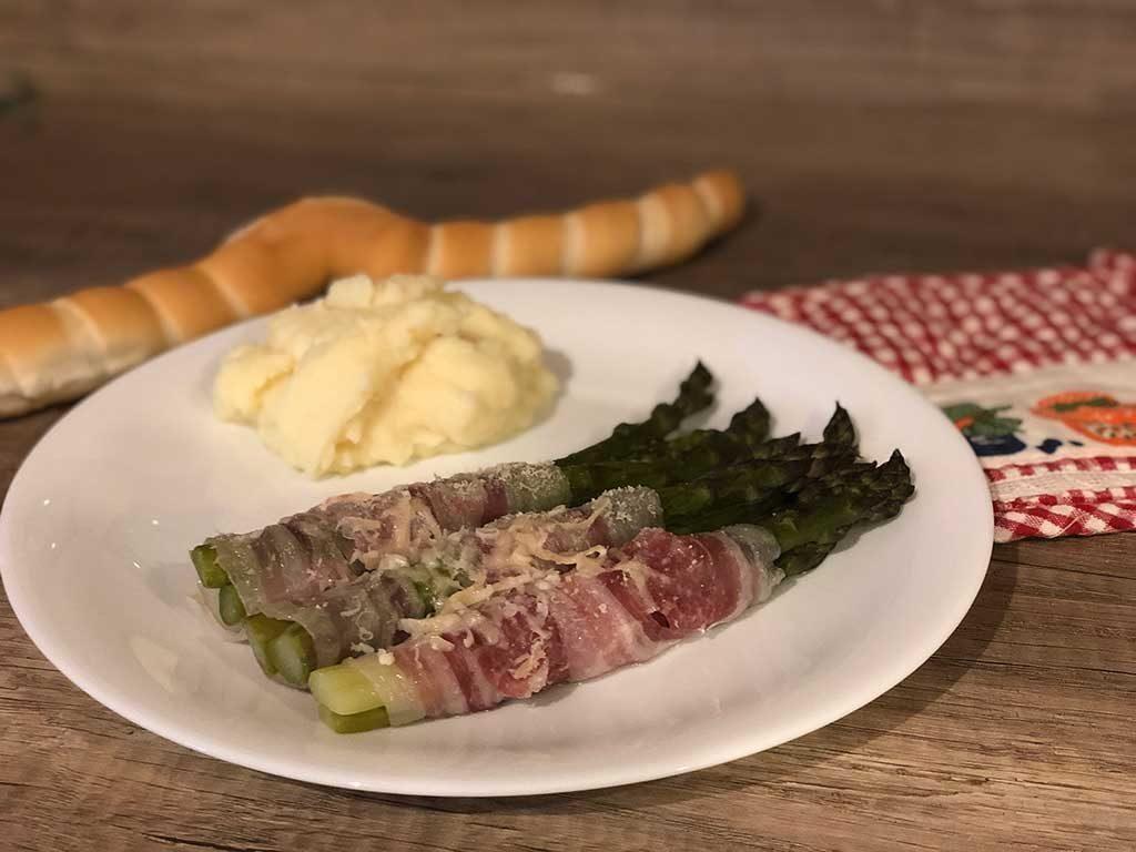 Ricetta involtini asparagi e pancetta - Sapori Ferraresi