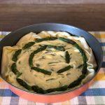 Torta salata con asparagi pronta da cuocere